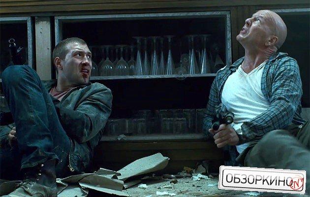 Bruce Willis и Jai Courtney в фильме Крепкий орешек Хороший день, чтобы умереть (A Good Day to Die Hard)