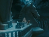 Anne Hathaway и Mia Wasikowska в фильме Алиса в стране чудес (Alice In Wonderland)