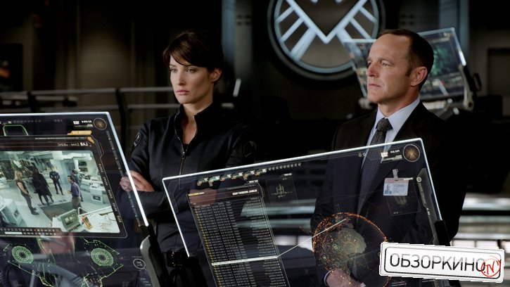 Cobie Smulders и Clark Gregg в фильме Мстители (Avengers)