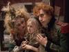 Sacha Baron Cohen, Isabelle Allen и Helena Bonham в фильме Отверженные (Les Miserables)