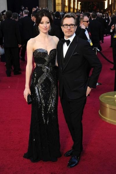 Gary Oldman и Alexandra Edenborough на красной дорожке