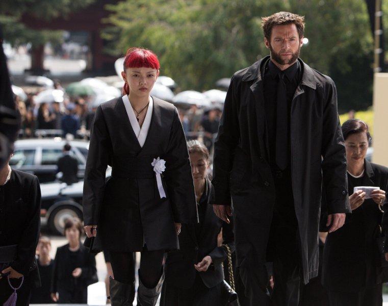 Rila Fukushima и Hugh Jackman в фильме Росомаха бессмертный (The Wolverine)