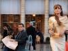 Angelina Jolie и Rufus Sewell в фильме Турист (The Tourist)
