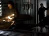 Kate Beckinsale и Tom Skerritt в фильме Белая мгла (Whiteout)
