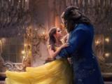 """Эмма Уотсон (Emma Watson) и Дэн Стивенс (Dan Stevens) в фильме """"Красавица и чудовище"""" (The Beauty and the Beast)"""